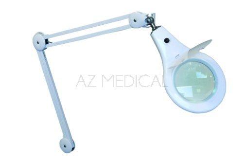 Lampe loupe à LED Vera - Le pied roulant lesté